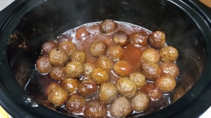 Sweet & Tangy Crock Pot Meatballs